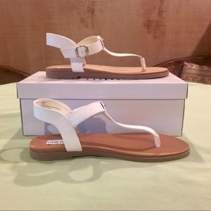 🌴🐙Steve Madden Leather Chaya Sandels White🐙🌴